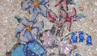 Γαλάζια παπαρούνα και καμπανούλες